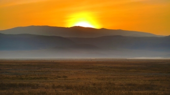 ngorongoro-sunrise